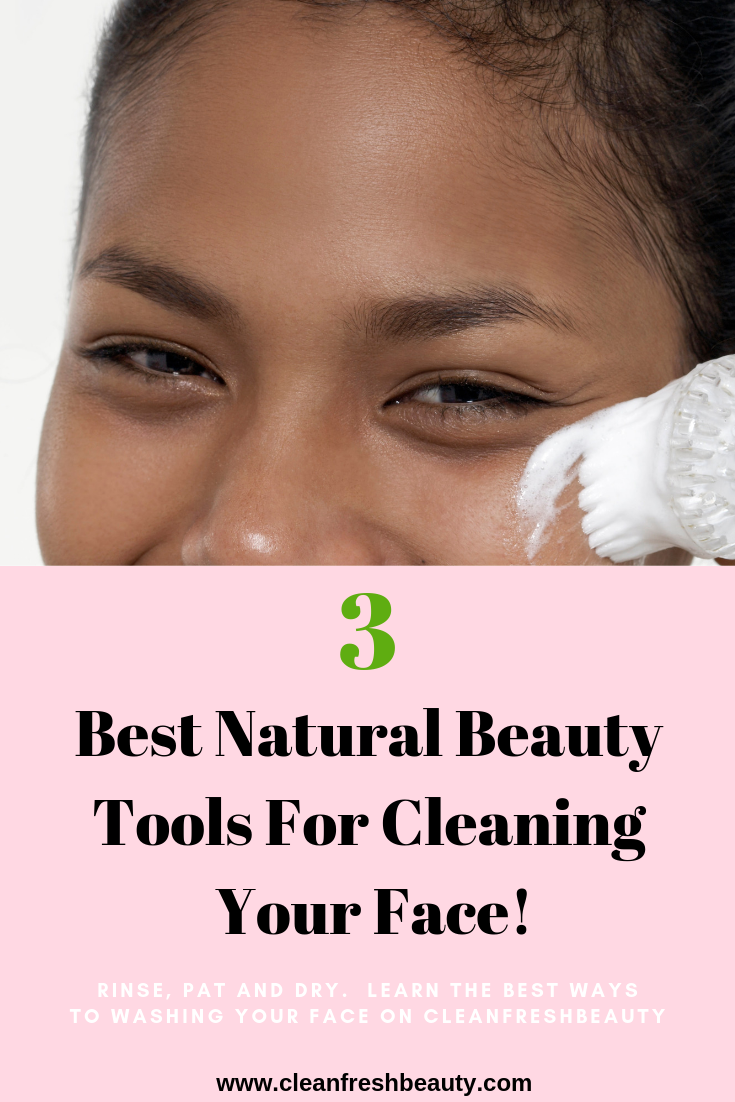 Washing your face properly is critical for an healthy skin and to prevent acne and wrinkles, but your hands can only do so much. In this blog post, I share with you natural skin care tools you can use to wash your face. Click to read more. #greenbeauty #naturalskicare #organicbeauty